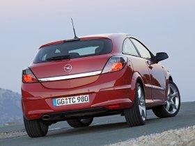 Ver foto 8 de Opel Astra H GTC 2005