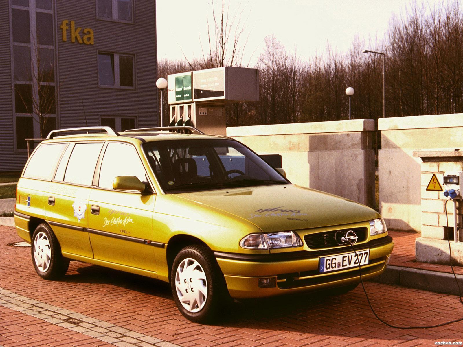 Foto 0 de Opel Astra Impuls II F 1992