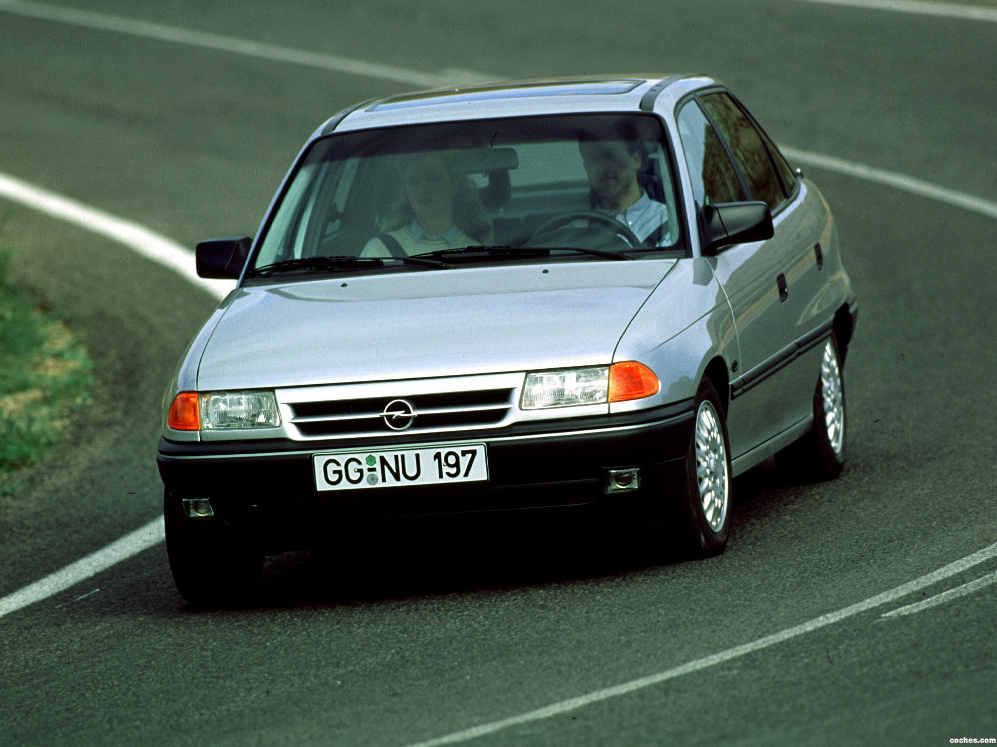 Foto 0 de Opel Astra Sedan F 1991
