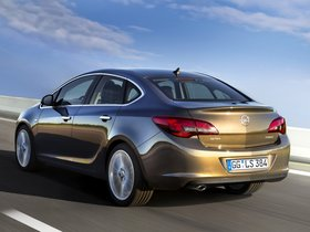 Fotos de Opel Astra Sedan J 2012