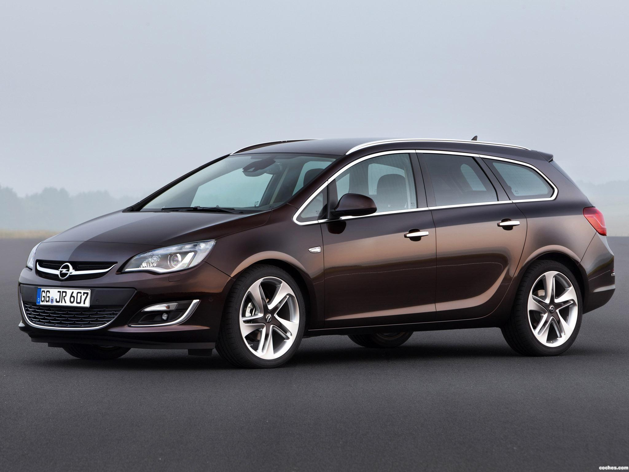 Foto 0 de Opel Astra Sports Tourer 2012