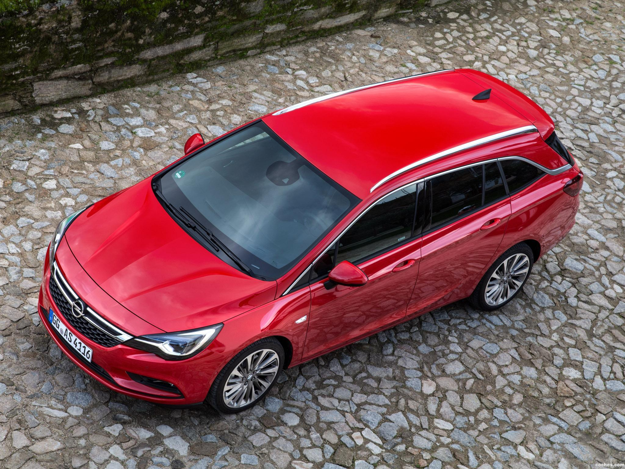 Foto 16 de Opel Astra Sports Tourer Biturbo 2016