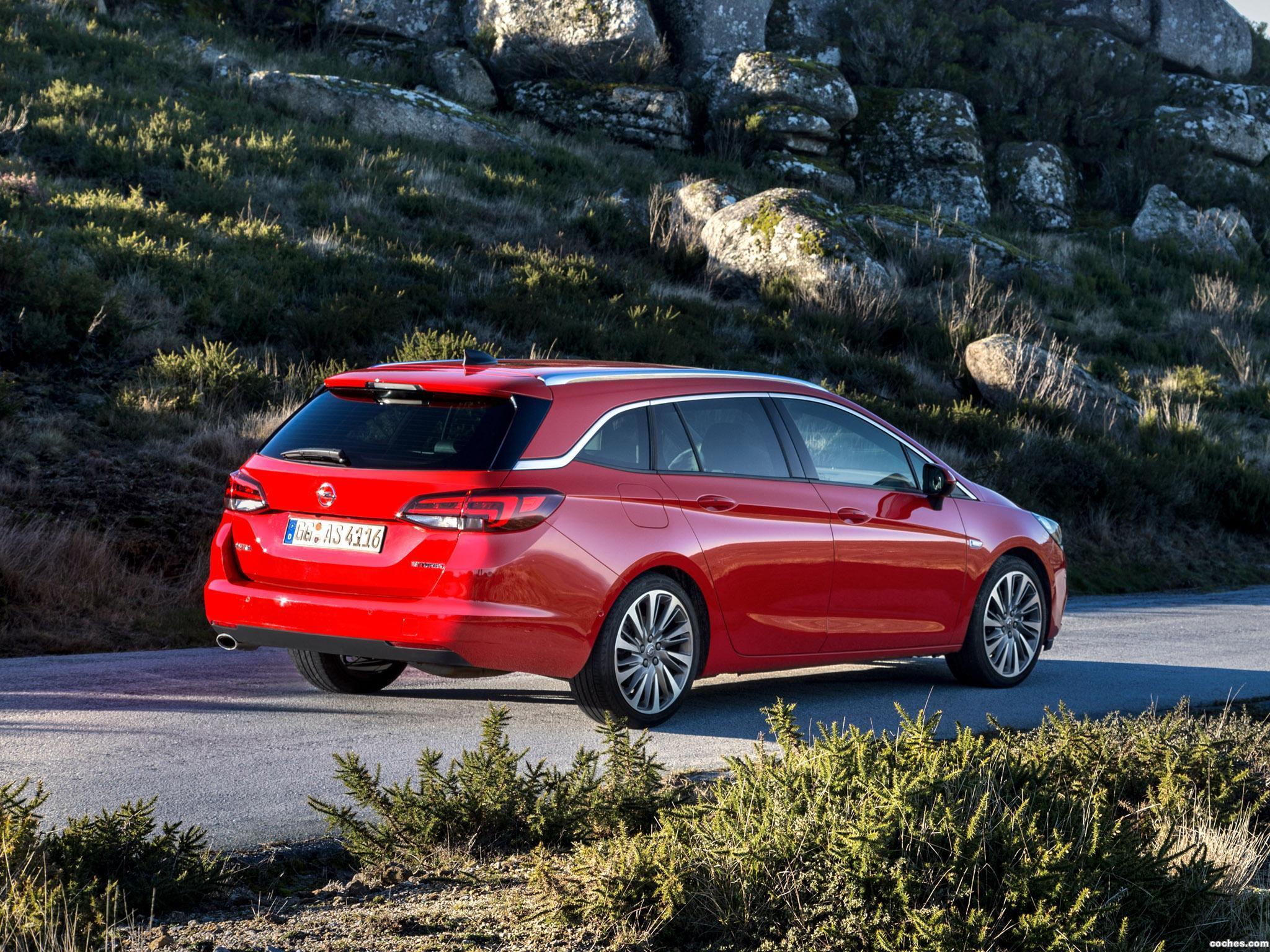 Foto 13 de Opel Astra Sports Tourer Biturbo 2016