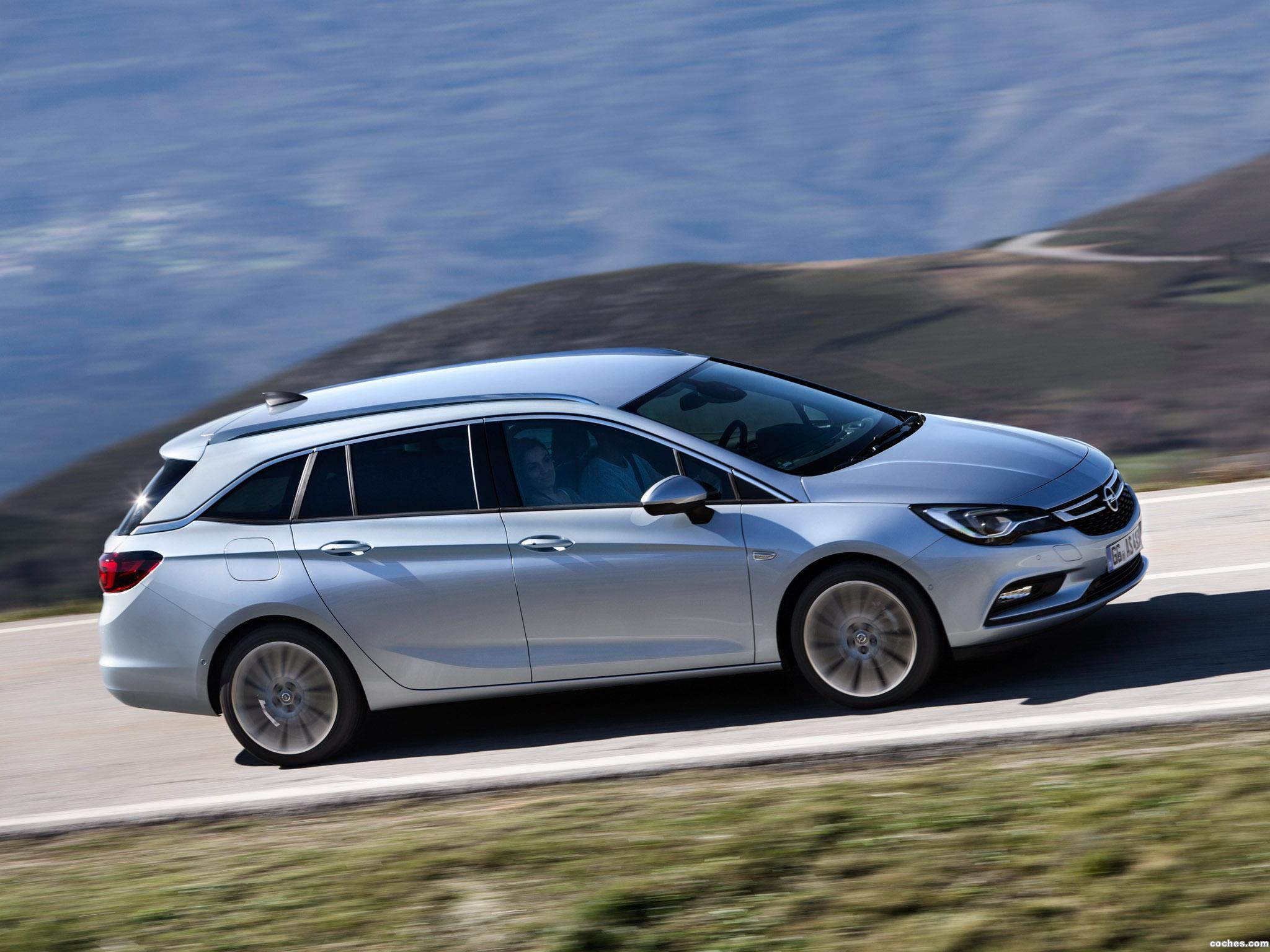 Foto 7 de Opel Astra Sports Tourer Biturbo 2016