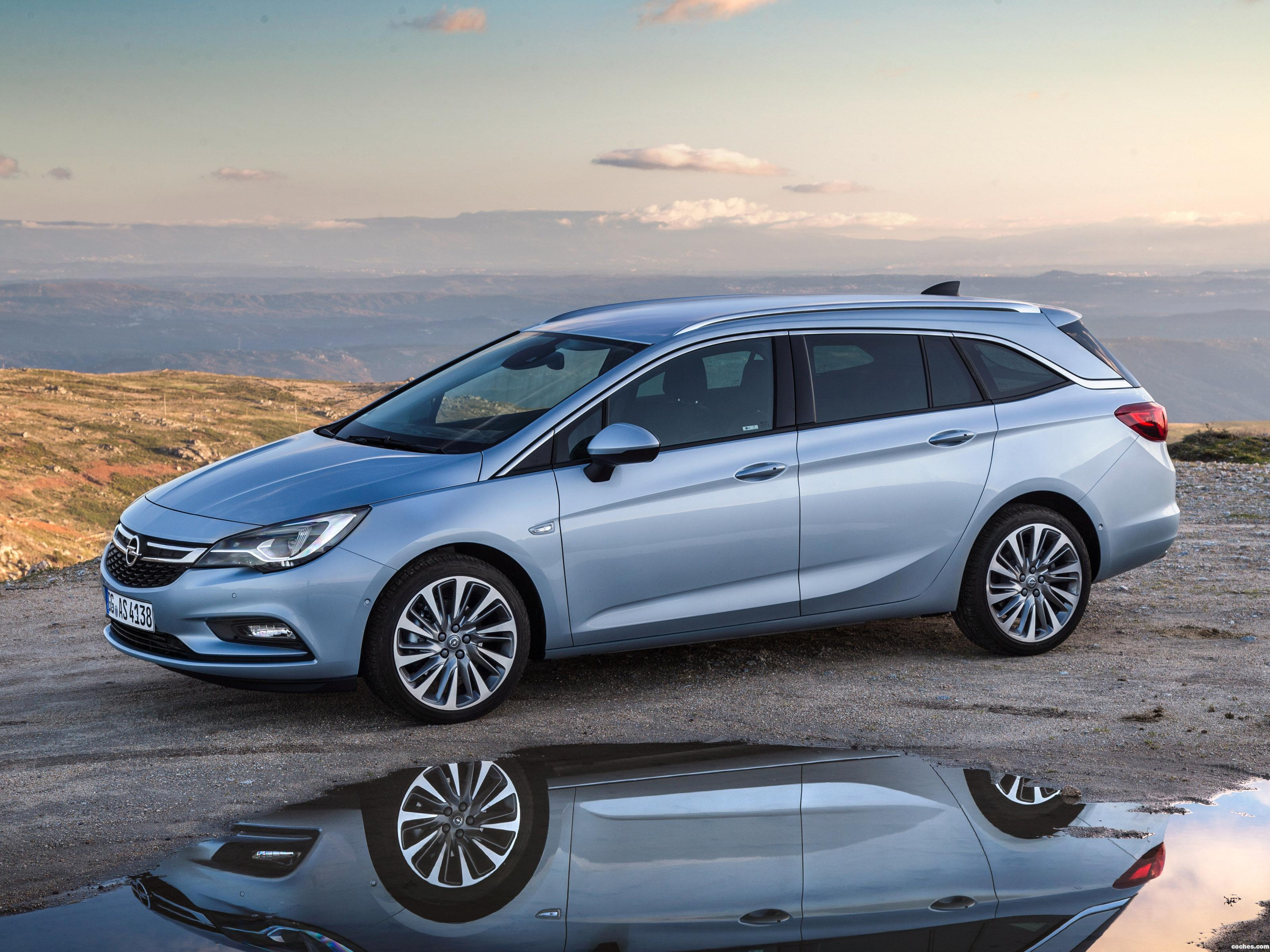 Foto 0 de Opel Astra Sports Tourer Biturbo 2016