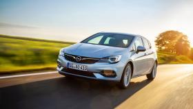 Ver foto 1 de Opel Astra 2019