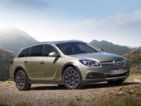 Fotos de Opel Insignia Country Tourer 2013