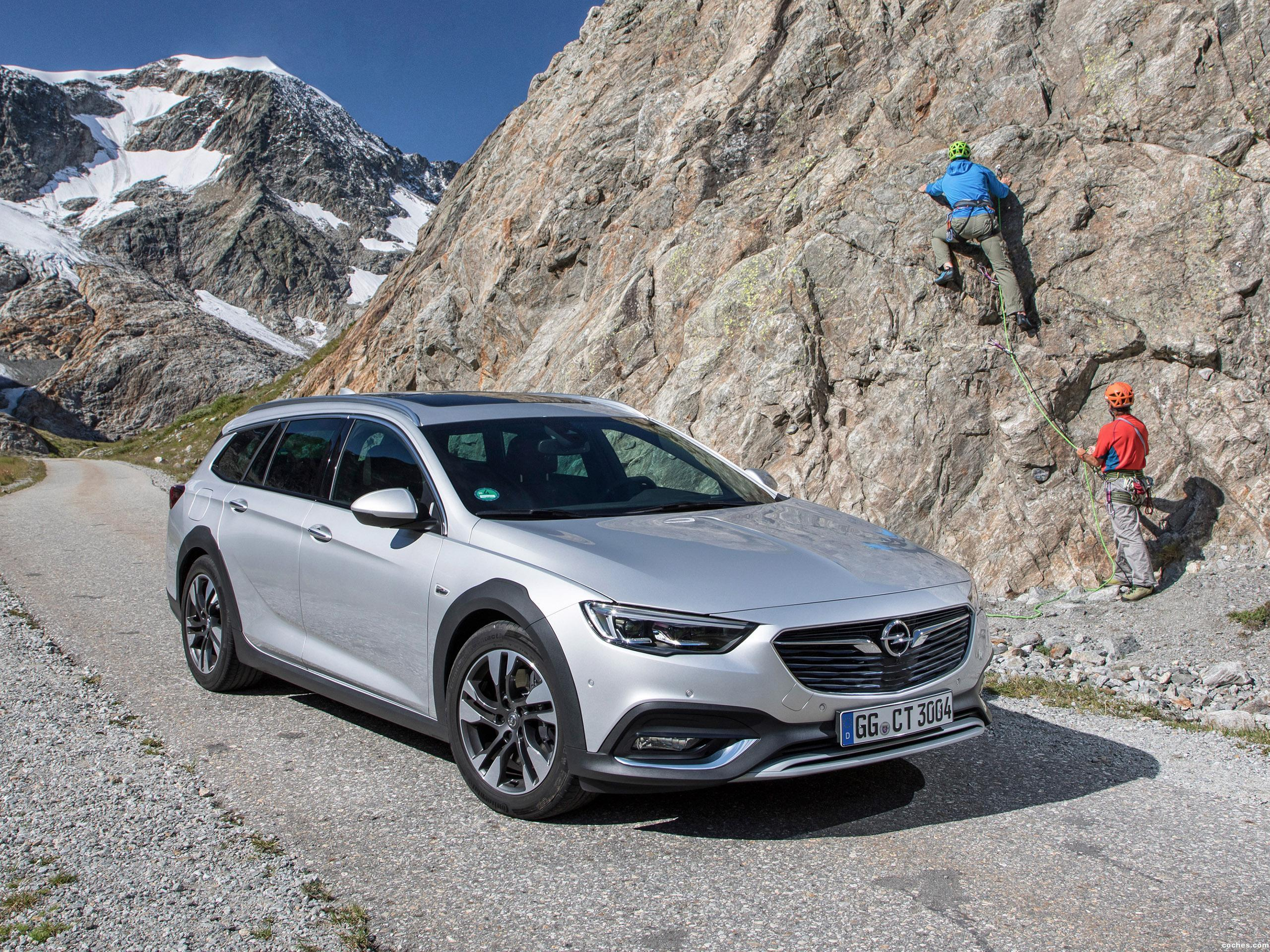 Foto 0 de Opel Insignia Country Tourer Turbo 4x4 2017