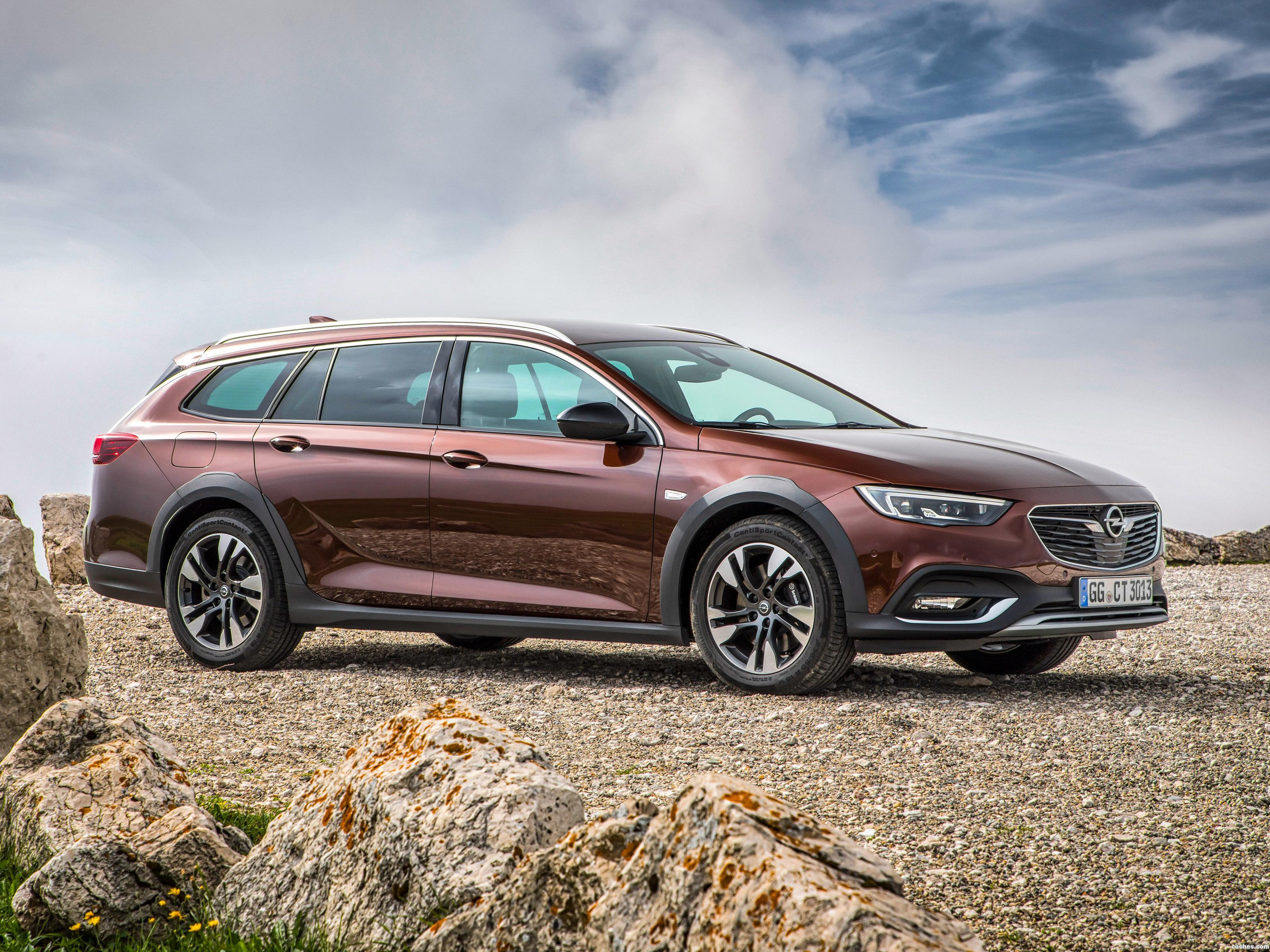 Foto 0 de Opel Insignia Country Tourer Turbo D 4x4  2017