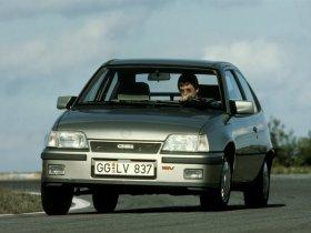 Ver foto 3 de Opel Kadett 1984