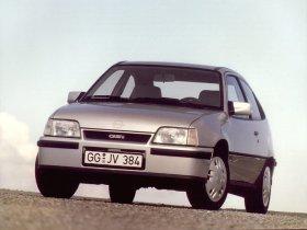 Ver foto 2 de Opel Kadett 1984