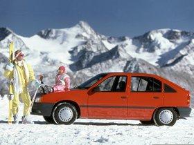 Ver foto 7 de Opel Kadett E 5 puertas  1984