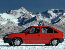 Ver foto 4 de Opel Kadett E 5 puertas  1984