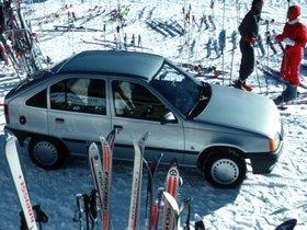 Ver foto 3 de Opel Kadett E 5 puertas  1984