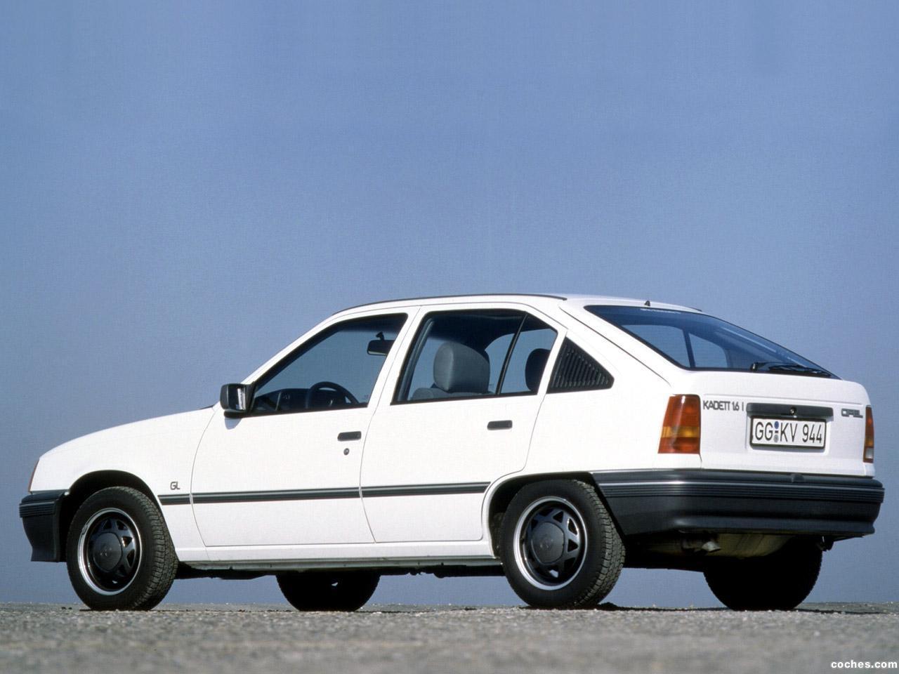 Foto 8 de Opel Kadett E 5 puertas  1984