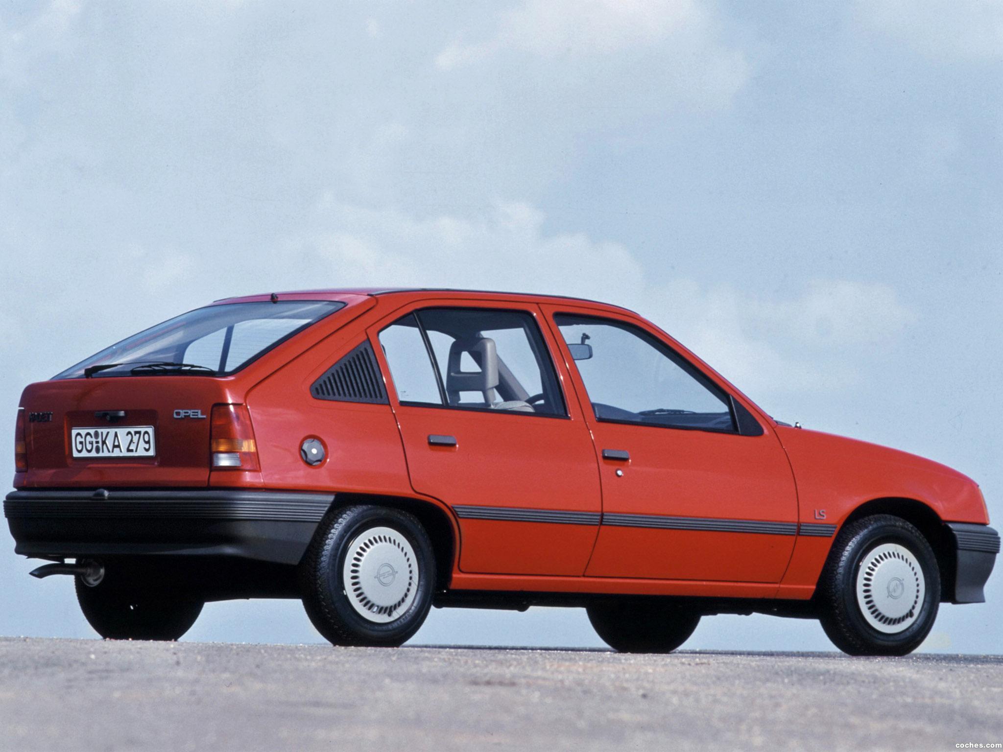 Foto 4 de Opel Kadett E 5 puertas  1984