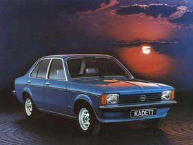 Ver foto 2 de Opel Kadett C 4 puertas Sedan 1977