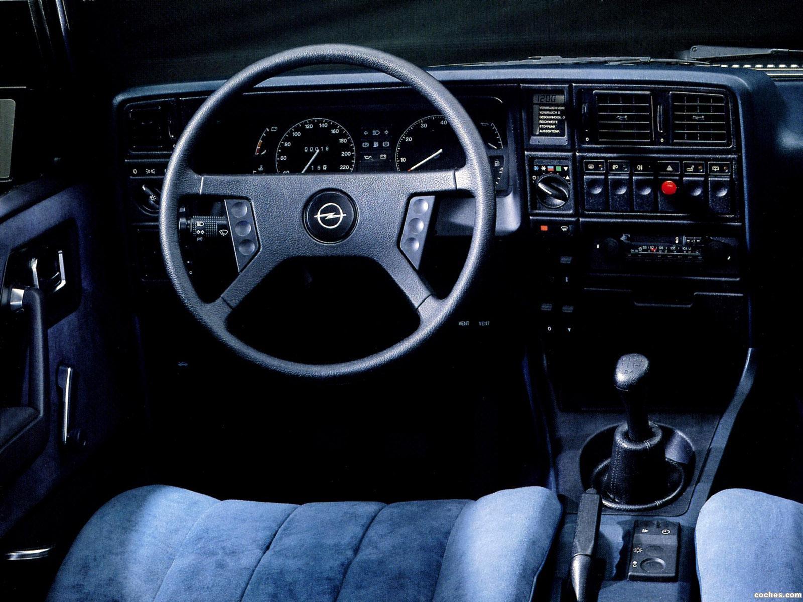 Foto 6 de Opel Monza A 1982