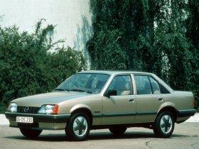 Ver foto 2 de Opel Rekord E82 1982