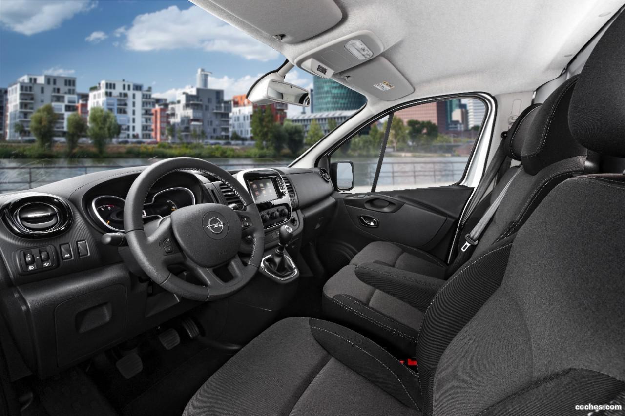 Foto 2 de Opel Vivaro Combi 2014