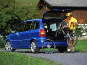 Ver foto 4 de Opel Zafira OPC 2001