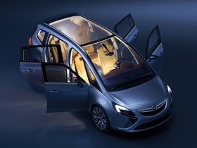 Ver foto 2 de Opel Zafira Tourer Concept 2011