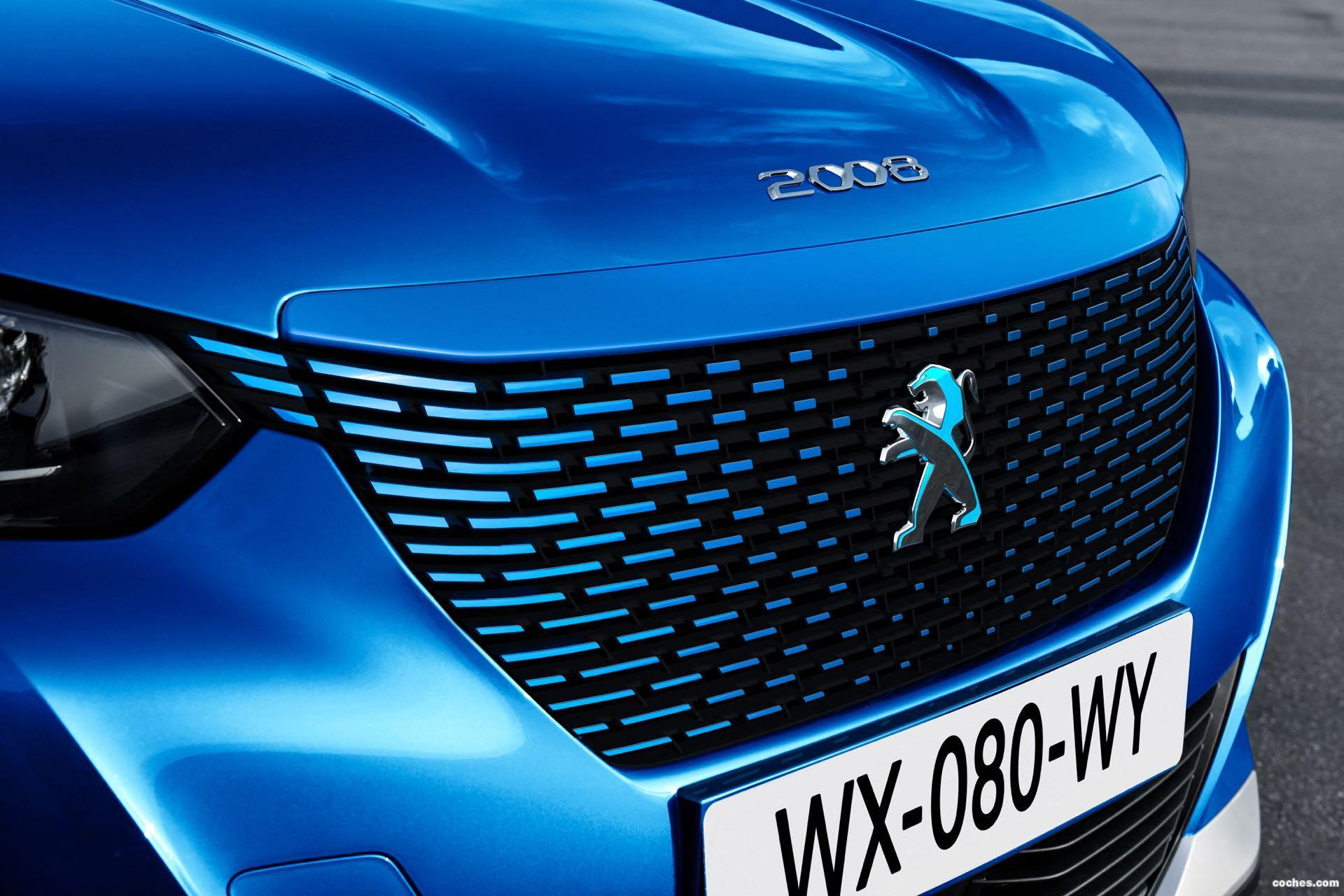 Foto 3 de Peugeot e-2008 GT 2020