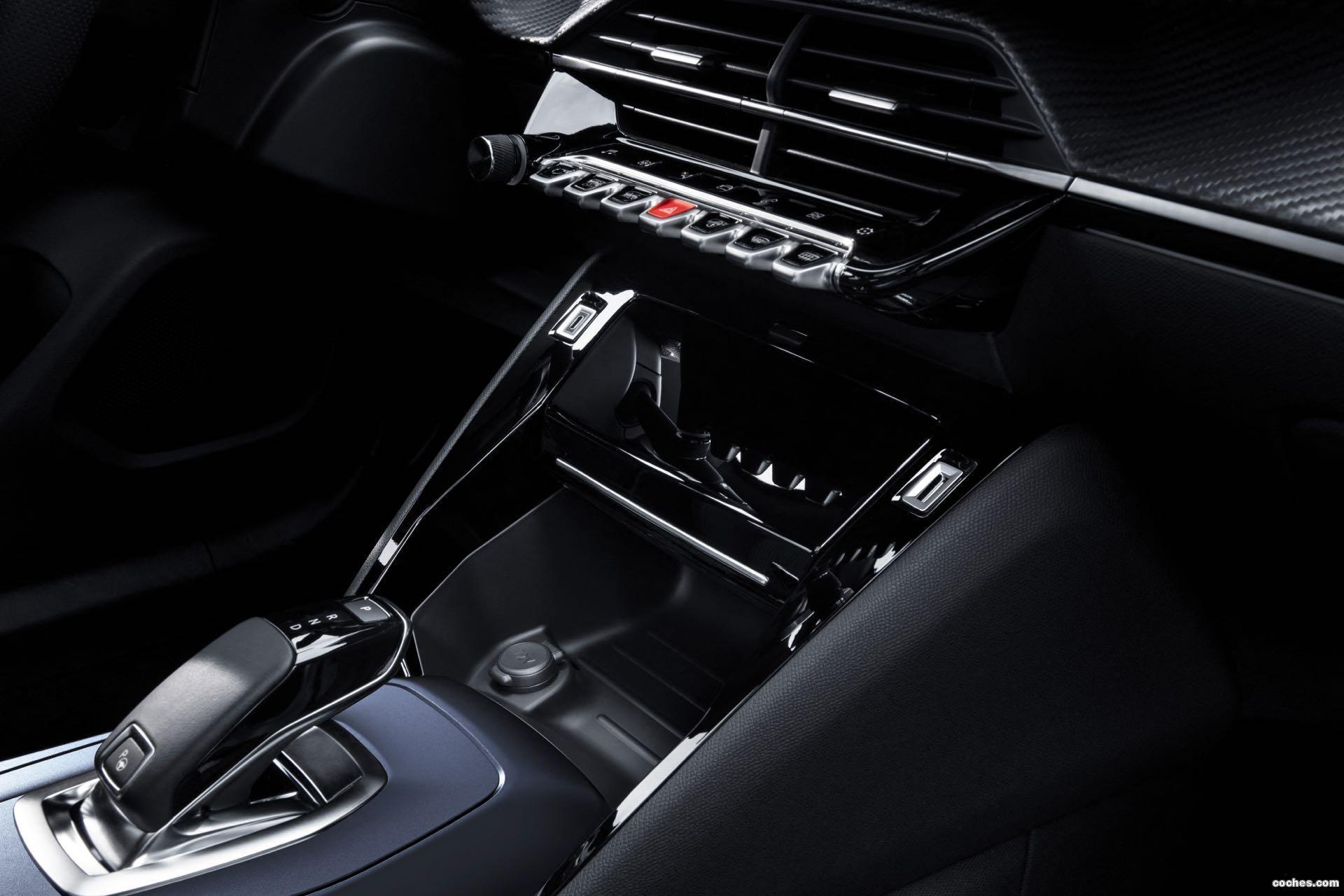 Foto 24 de Peugeot e-2008 GT 2020