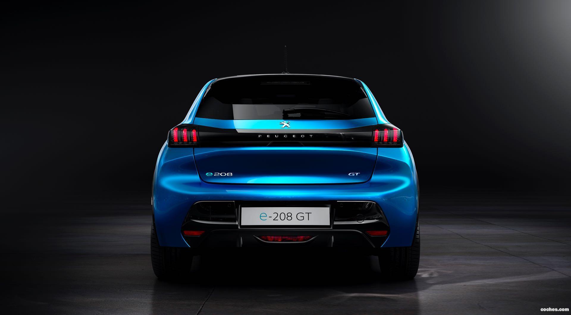 Foto 11 de Peugeot e-208 GT 2019