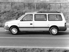 Ver foto 2 de Plymouth Grand Voyager 1991