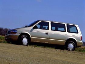 Ver foto 2 de Plymouth Voyager 1991