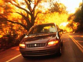 Ver foto 3 de Plymouth Voyager 1996