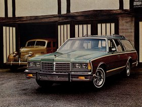 Fotos de Pontiac Catalina Safari 1977