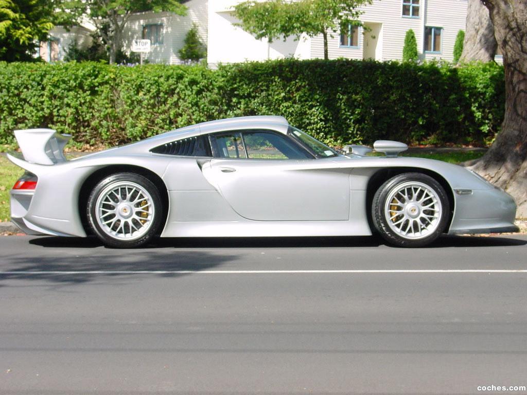Foto 2 de Porsche 911 GT1 Strassenversion
