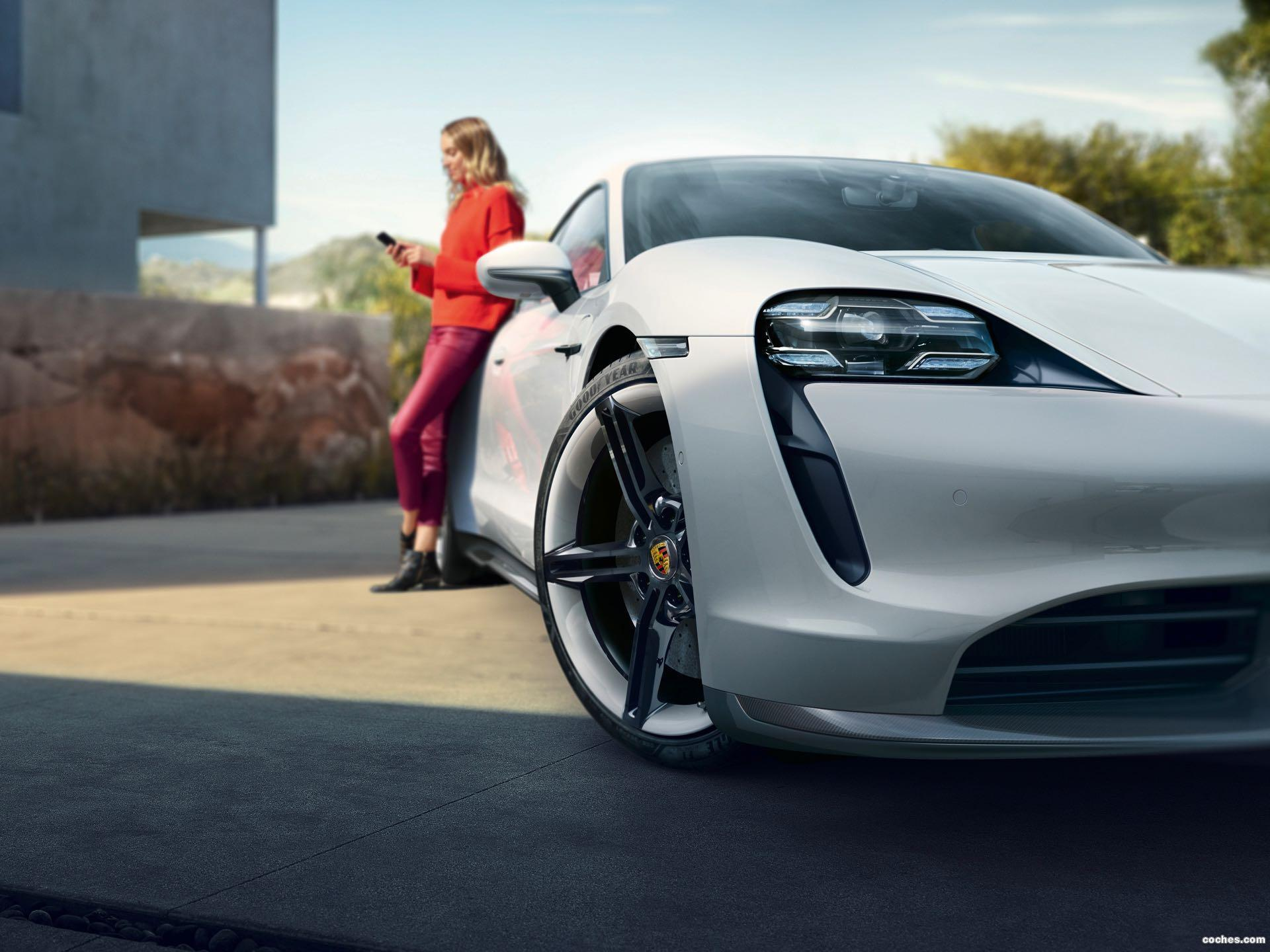 Foto 7 de Porsche Taycan Turbo S 2019
