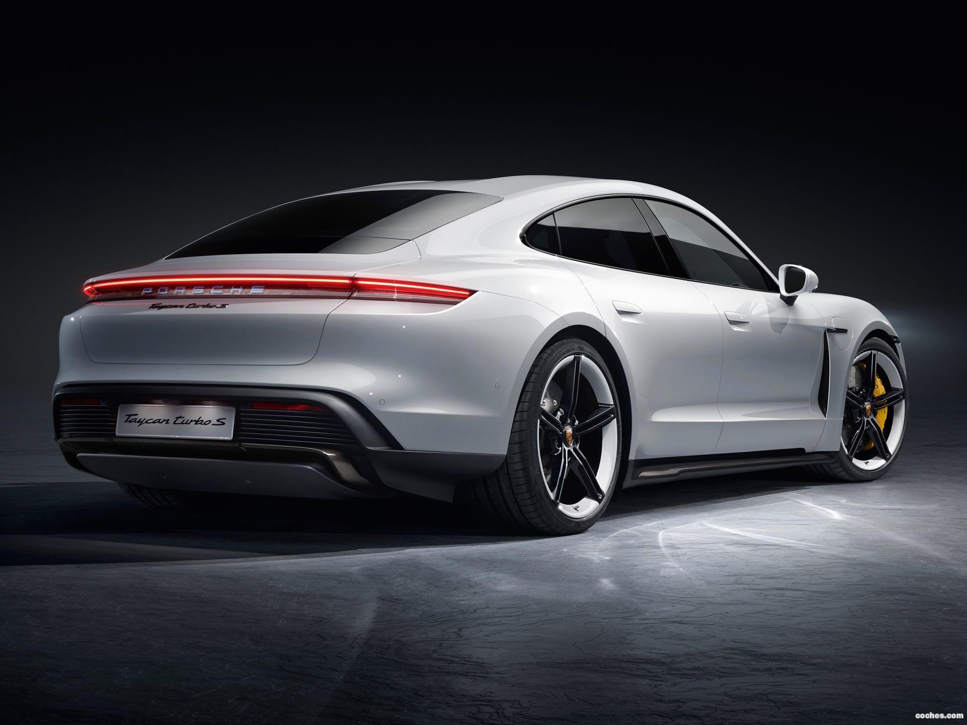 Foto 14 de Porsche Taycan Turbo S 2019