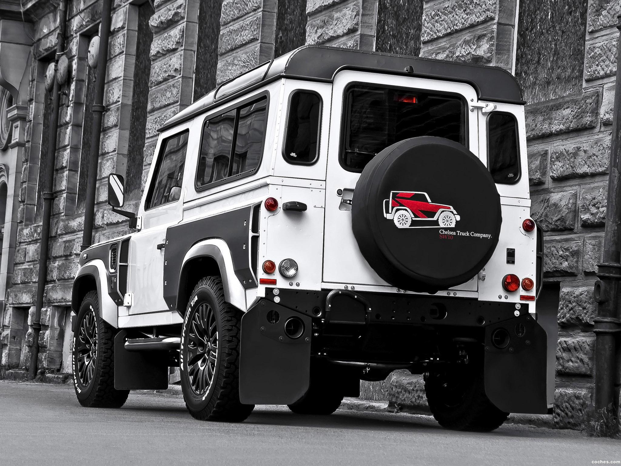 Foto 1 de Project Kahn Land Rover White And Pearl Grey XX 90 Defender 2013