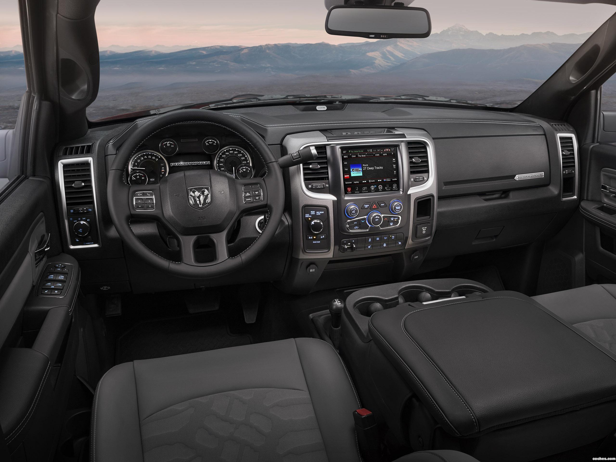 Foto 25 de RAM 2500 Power Wagon Crew Cab 2016
