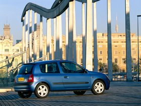 Ver foto 8 de Renault Clio II 3 puertas 2001