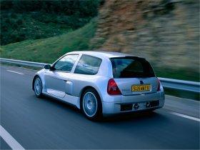 Ver foto 2 de Renault Clio II V6 Sport 2000