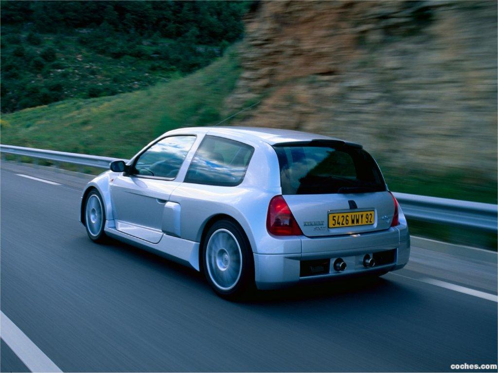 Foto 1 de Renault Clio II V6 Sport 2000