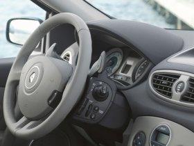 Ver foto 38 de Renault Clio III 2005