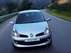 Ver foto 2 de Renault Clio III 2005