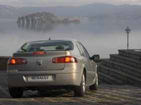 Ver foto 5 de Renault Laguna 2005