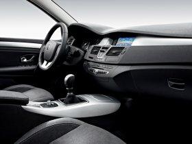 Ver foto 35 de Renault Laguna 5 puertas 2007