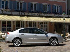 Ver foto 20 de Renault Laguna 5 puertas 2007