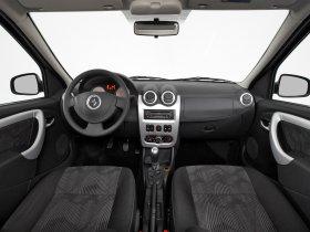 Ver foto 31 de Renault Logan 2009