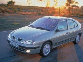 Ver foto 3 de Renault Megane Hatchback 1999