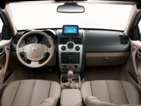 Ver foto 13 de Renault Megane Limusine 2006