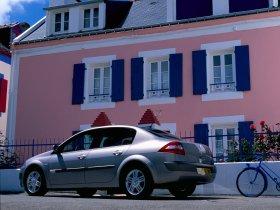 Ver foto 9 de Renault Megane Limusine 2006